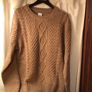 GAP Cable knit sweater tan camel large